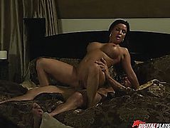Torrid fuck with exuberant older brunette hair Diamond Foxxx