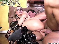 Tory Lane tries her hardest to make man bust a nut in anal action