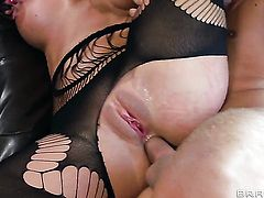 Blonde Phoenix Marie bounces up and down with boner in her deadeye