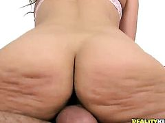 Brunette Samia Duarte loves masturbating for you to watch and enjoy