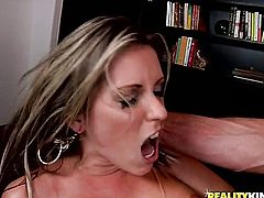 Blonde Courtney Cummz cant stop fingering her snatch