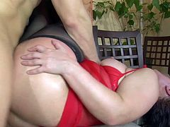 Mature Russian mom Virgo Peridot gets anal