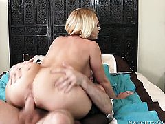Blonde exotic Brick Danger with juicy melons and clean pussy gets her lovely face dreamed in jizz