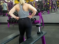 Thick Sorority Girl Working out