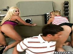 Blonde Gina Lynn with bubbly ass polishes lucky dudes sturdy rod with her lips