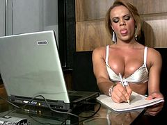All work and no play makes Joice a dull shemale. And this luscious TS is anything but dull. She works away at her laptop until she can not take it anymore and then she is undressing her sexy...