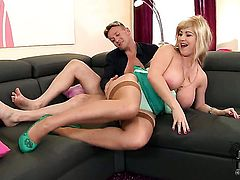 Gorgeously sexy hussy Sandra Boobies with juicy melons and bald bush takes the money shot of her dreams