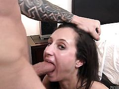 Lina Cole enjoys dudes meaty throbbing pole in her sweet mouth