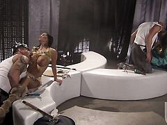 Amile Waters does oral job for hard dicked guy to enjoy