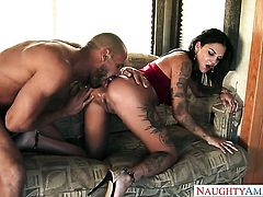 Tattoos Bonnie Rotten with big tits and clean cunt turns dude on before giving handjob