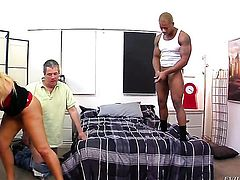 Blonde Dirk Huge shows her slutty side to hot dude by taking his sturdy meat pole in her mouth