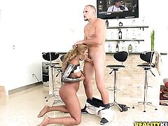 Piercings ebony Dunn with phat booty and hairless muff gagging on guys stiff pole