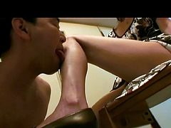 Mature Asian Foot Worship and Handjob