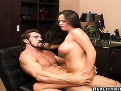 Brunette porn girl Reno with juicy melons and trimmed pussy lets man fuck her sweet mouth