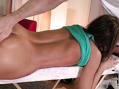 Sophie Lynx with tiny breasts and clean bush gagging on hard tool of hot dude