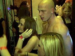 Fit male strippers offer their cock to these drunk party girls
