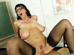 Piercings with big jugs takes massive pop shot on her nice face