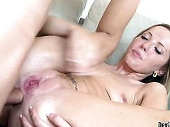Nichole Taylor lets man fuck her anal
