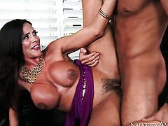 Mature Chad White cant wait to be take pop shot on her pretty face