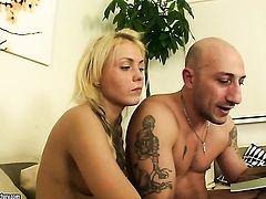 Blonde wants his tool to fuck her anal hard