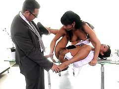 Tory Lane lets man put his schlong in her mouth