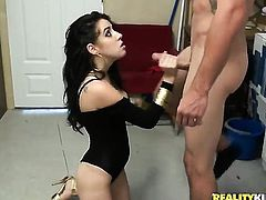 Brunette latin Allison Banks drops on her knees to gives deep throat job to handsome guy