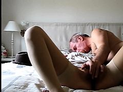 voyeur slut Carill and Olivier on bed suck fuck smile skinny