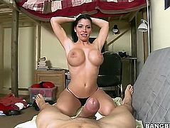 REBECA LINARES GIVES AN FANTASTIC POV ORAL-SERVICE