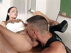 Lewd brunette hair teacher acquires the janitor to take up with the tongue her cunt
