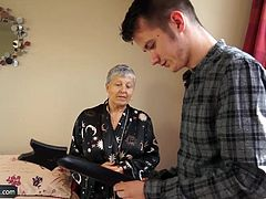 Student Sam Bourne fucking busty horny older granny lady to obtain new game controller