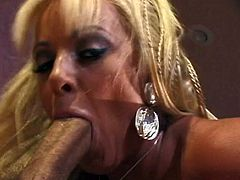 Mature whore fucking schlong