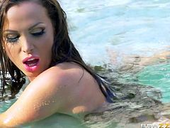 Have you ever experienced in a literal sense, wet sex. I mean really wet, I mean underwater sex. If no, then join us, to enjoy this special kind of pleasure and I can promise, that Nikki Benz, with her huge tits and big butt, will do everything that depends on her, to not disappoint you. Relax and have fun!