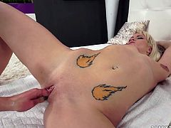 Seductive brunette Vanessa Twain examines stretched twat of Gf with the help of fist