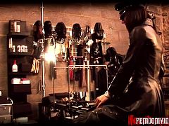 Mistress Krush in full leather - part 1