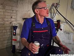 Anina was bored and she decided to go to her neighbors. Their apartment was under repair, but on the threshold she was met by a builder. It was the old man of medium height with glasses. Anina immediately noticed his huge erection and decided to take matters into her own hands... Old big dick for young chick!