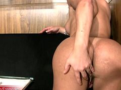 All work and no play makes Joice a dull t-girl. And this luscious T-babe is anything but dull. She works away at her laptop until she can not take it anymore and then she is taking off her hot...