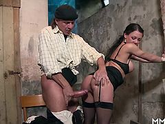 Sexy landlord Anna Von Freienwalde is inspecting the building and found some irregularities. She can make an exception for a fat old hard cock.