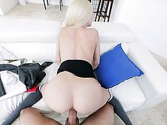 Elsa Jean has some time to stroke her vagina