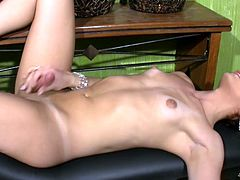redhead t-babe with bubble ass plays with herself in office