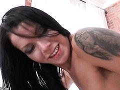 Brunette gets her twat attacked by hard love wand