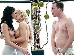 Blonde chicana Nicole Aniston is on the edge of nirvana after lesbian sex with Ariana Marie