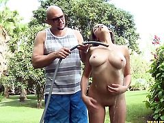 Brunette Shae Summers can't resist the desire to take hard snake deep down her throat