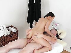 Pussykat warms man up with her hands and takes his dick