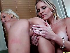 Tattooed Randi Tango and Brianna Ray are two dykes that cant keep their hands off each other