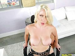 Blonde sexy Sean Lawless with juicy tits and trimmed pussy had her nice face covered in sticky nectar a thousand times but needs some more