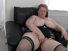 fat natural mature lady gets off