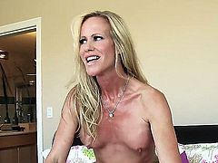 Good looking milf blonde Simone Sonay with fake boobs and shaved snatch shows her love for hardcore sex in the bedroom. Richie Black drills her wet cunt like there's no tomorrow.