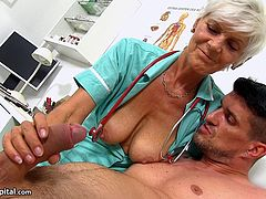 Skinny granny Ruta sucking at hospital