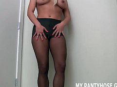 Let me make your pantyhose handjob dreams come true JOI