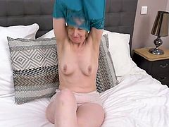 Housewife tube videos